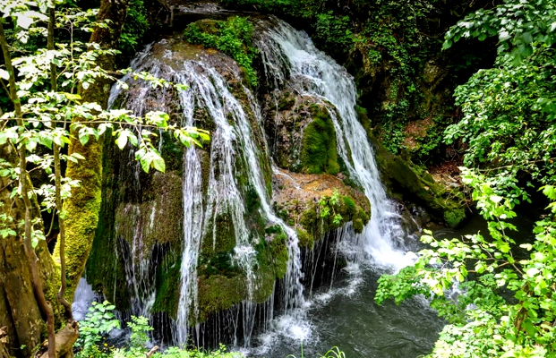 18_bigar_waterfall.jpg